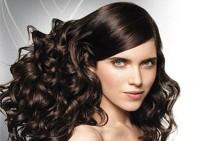 Прически: в моде локоны и косы