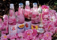 Как использовать розовое масло
