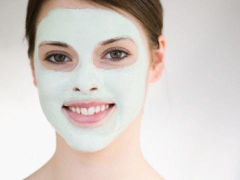 Увлажняющие маски для лица продлят вашу молодость