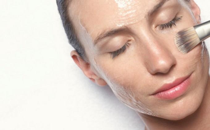 Как справиться с жирным блеском на коже