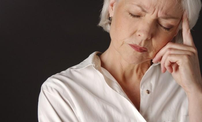 Что может спровоцировать раннюю менопаузу, следует обратить внимание