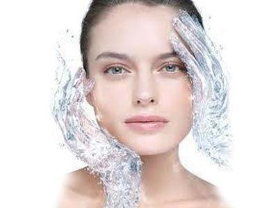 Увлажняющие косметические средства для лица: возьмите на заметку