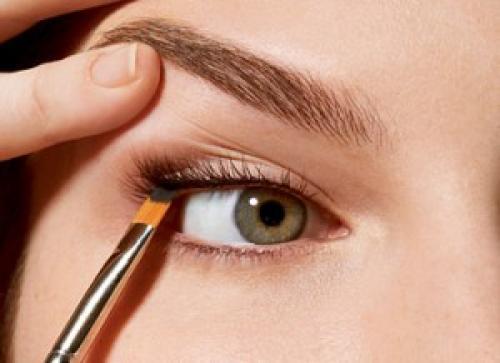Как наносить макияж, чтобы он держался