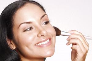 Как скрыть недостатки при помощи макияжа