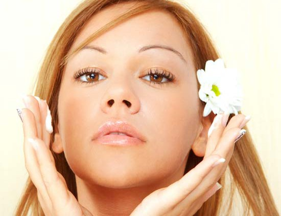 Как правильно заботиться о коже лица