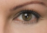 Проблема мешков под глазами и синяков: как ее решить