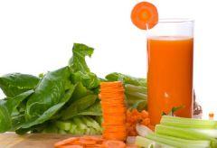 Морковный сок – вкусное решение проблем с кожей