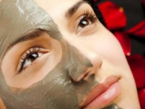 Маска для лица из черной глины: возьмите на заметку