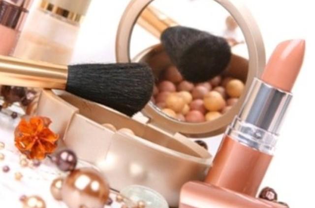 Какая самая эффективная «косметика» для вашей красоты