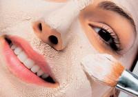 Косметические маски и кремы для ухода за кожей вокруг глаз
