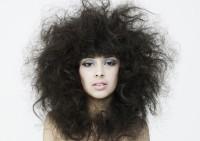 Особенности выпрямления непослушных волос