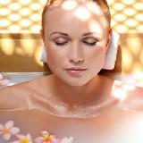 Особенности использования ванн с эфирными маслами при уходе за телом