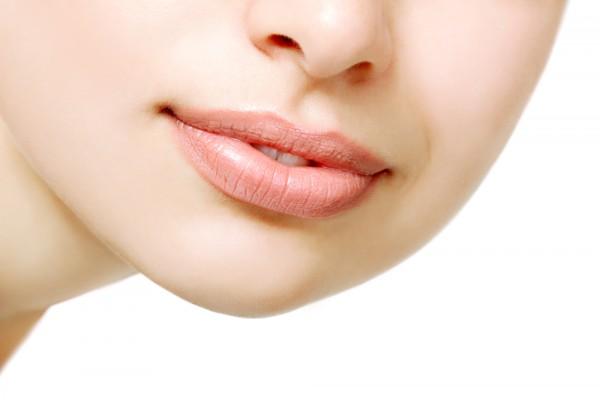 Увеличиваем объем губ без инъекций