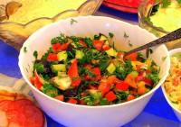 Легкие салаты: советы для тонкой талии