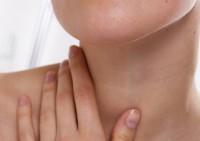 Ухаживать за кожей шеи необходимо правильно