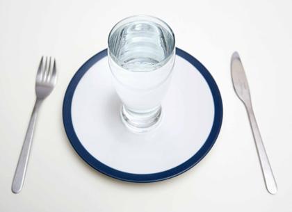 Водная диета избавит от лишних килограммов