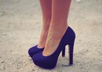 Обувь на каблуках могут быть причиной развития серьезных заболеваний
