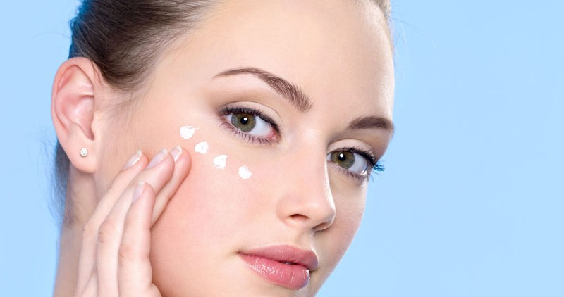 Народные способы ухода за кожей вокруг глаз