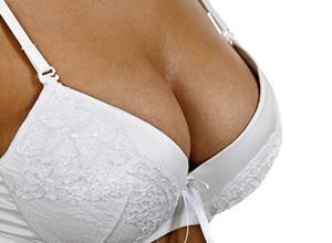 Большая грудь ухудшает здоровье женщины