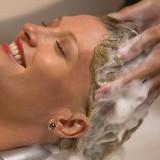 Частое мытье головы может стать причиной облысения