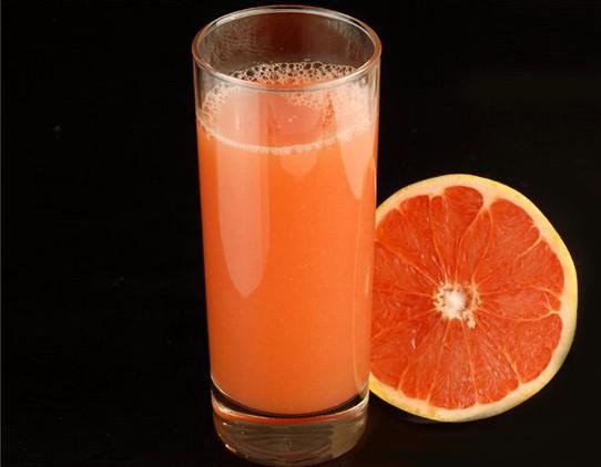 Грейпфрутовый сок поможет избавиться от лишних килограммов
