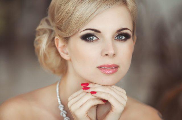 Праздничный макияж и его особенности