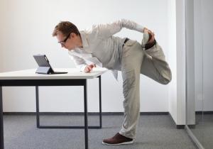 Работа стоя поможет снизить вес