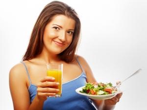 Наиболее часто худеющие люди бросают свою диету в воскресный вечер