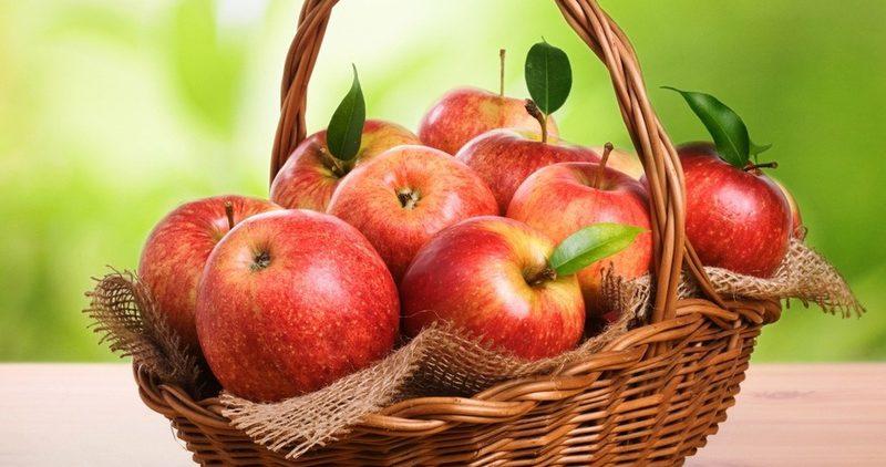Яблоки сжигают жир: только не стоит их чистить