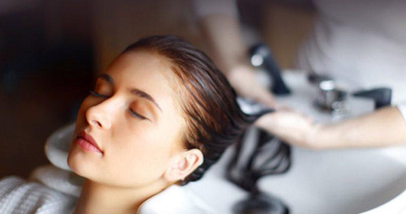 Неприглядная правда о косметике для волос: домашняя лучше