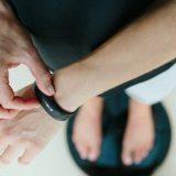 Женщины контролируют свой вес при помощи социальных контактов