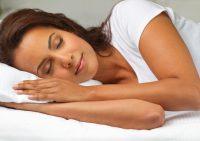 Сон помогает женщинам худеть