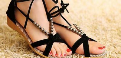 Здоровье ног: топ-7 ошибок при выборе летней обуви