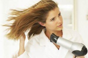 Американские исследователи доказали опасность фена для волос