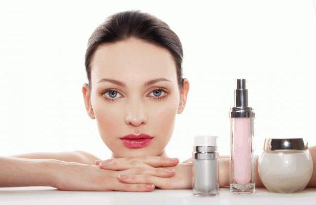 Особый уход: три бьюти-процедуры для кожи лица в осенний период