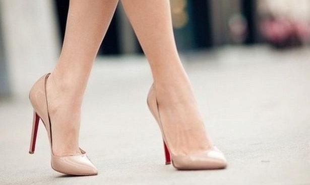 Обувь на каблуке назвали полезной для здоровья