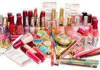 Женская косметика содержит компоненты, использующиеся в производстве средств для мытья пола