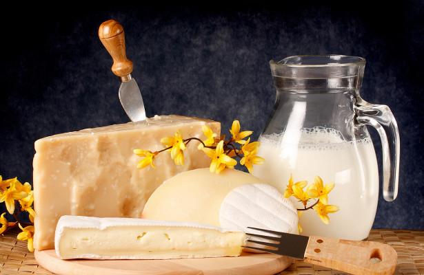 Учёные опровергли ограничение на употребление молока и сыра для диеты