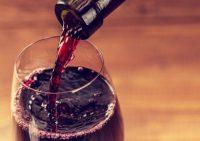 Вино уничтожает бактерии, вызывающие заболевания зубов и десен