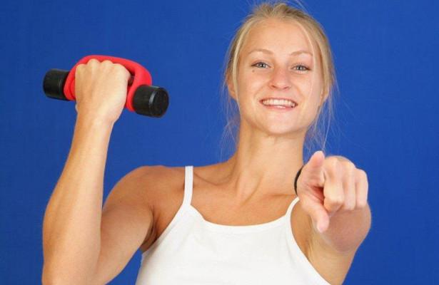 Хорошая физическая форма в среднем возрасте защищает женщин от деменции