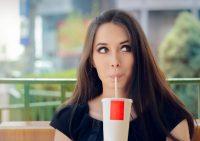 Врачи назвали самый опасный для здоровья напиток