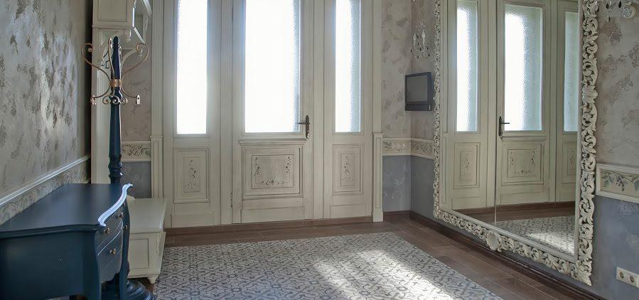 Входные и межкомнатные двери из массива
