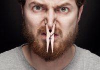 Диетолог: Худеть с затычками в носу опасно для здоровья