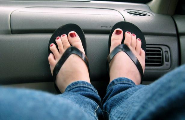 Поездки на автомобиле грозят смертельными тромбами вен