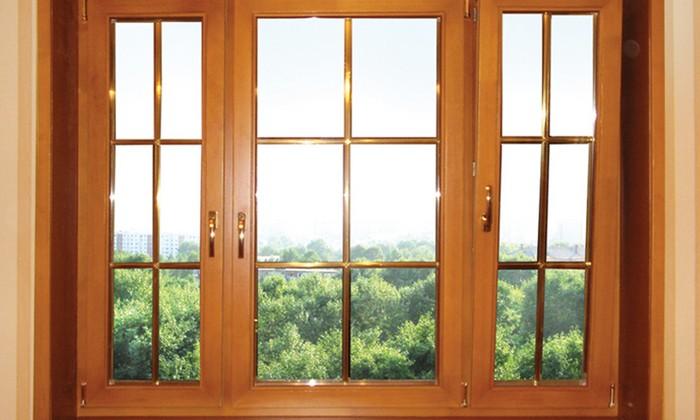 Окно из дерева и пластика