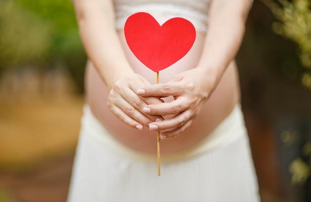 Переедание во время беременности может быть опасным для мамы и ребенка