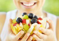 Диетологи перечислили продукты, насыщенные канцерогенами