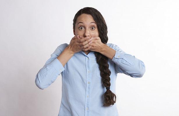 Топ‐5 простых способов избавиться от неприятного запаха изо рта