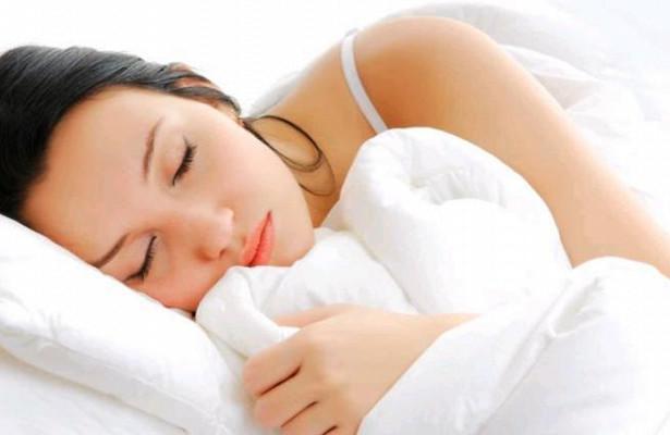 Женщинам ночью лучше спать