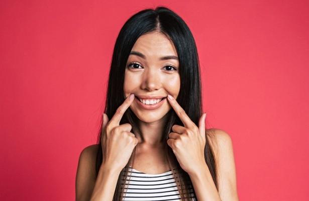 Что делать, если молочные зубы во рту надолго задержались?